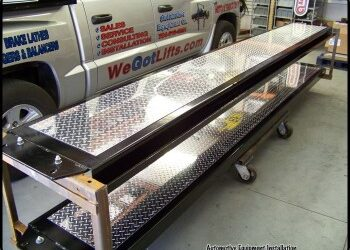 Diamond Plate Treadway Accent